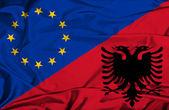 Viftande flagga Albanien och eu — Stockfoto