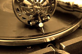 Eski gramofon ve eski kayıtlar — Stok fotoğraf