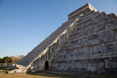 Spring Equinox at Chichen Itza Kukulcan Temple — Stock Photo