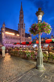 Brussels Town Hall in Grand Place at Night — Stock Photo