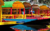 Colourful Mexican gondolas at Xochimilco Floating Gardens — Foto Stock