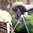 Wedding bouquet on a bicycle — Stock Photo #29019379