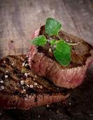 Gegrilde bbq-steaks — Stockfoto