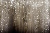 Vieux fond en bois avec des flocons de neige tombant — Photo