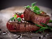 Steaks vom grill bbq — Stockfoto