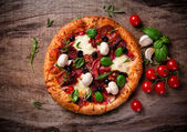 Delicious italian pizza — Stock Photo