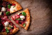 Heerlijke italiaanse pizza — Stok fotoğraf