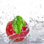Apple with water splash — Stock Photo #22627069
