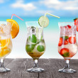 Summer drinks on the beach — Stock fotografie