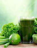 Healthy green juice — Stock Photo