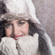 Portrait of attractive young woman in winter — Стоковая фотография