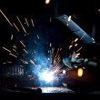 Welder in action — Stockfoto