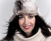 Portrait of attractive young woman in winter — Foto de Stock