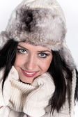 Portrait of attractive young woman in winter — Stock fotografie