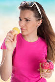 Beautiful young girl with ice cream — Stock Photo