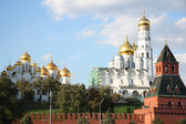 The Ivan the Great Bell Tower and Archangel Cathedral of Moscow Kremlin — Stock Photo