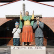 Family pray statue — Stock Photo #33919975