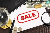 Продажа символ на бумаге — Стоковое фото