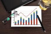 Graf růstu na papíře — Stock fotografie
