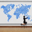Woman drawing world map — Stockfoto