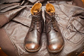 Fashionable leather boots and leather jacket. handmade shoes — Foto de Stock
