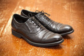 Classic leather shoes in black — Stockfoto