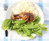 Grilled chicken leg with vegetables — Stock Photo