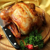 Roasted whole chicken — Stock Photo
