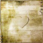 木製の背景に心 — ストック写真