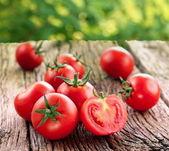 Tomaten, gekocht mit kräutern für die erhaltung — Stockfoto