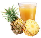 Pineapple juice with ripe pineapple — Stock Photo