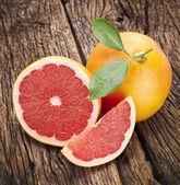 Grapefruit with slices. — Stock Photo