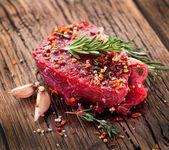 Hovězí steak. — Stock fotografie