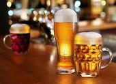 Glas lättöl. — Stockfoto