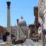 The Papal Basilica of Saint Peter — Stock Photo #13234584