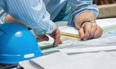 A discutir planos de construção — Foto Stock