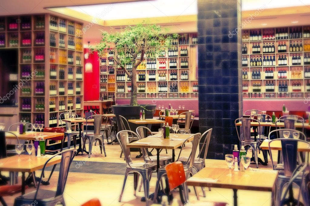 Restaurant avec décoration vin — photo