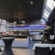 Foto Stock: Interior of modern bar