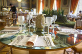 Table in luxury restaurant  — Stockfoto