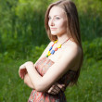 Beautiful and sensual girl in nature — Stock Photo #12366529
