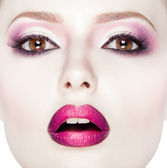 Beauty Fashion Model Girl with pink make-up, close-up studio shoot — Stock Photo