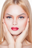 Beauty Fashion Model Girl with beautiful long hair, close-up studio shoot — Stock Photo