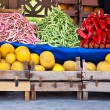 Fresh Organic Fruits and Vegetables At A Street Market — Stock fotografie