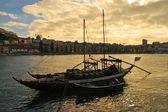 Boats with tun of portwine on river Douro (Porto, Portugal) — Photo