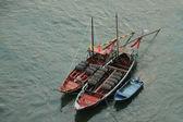 Boats with tun of portwine on river Douro (Porto, Portugal) — Stock Photo