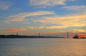 Sunset on river Tejo (Lisbon, Portugal) — Stock Photo
