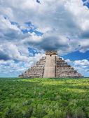 マヤのピラミッド — ストック写真
