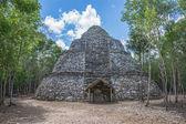 Ancient pyramid — Stock Photo