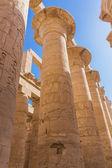 Ruinas antiguas en el templo de karnak — Foto de Stock