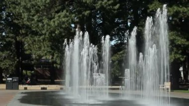Beaverton Oregon Water Jets in a Park — Stock Video